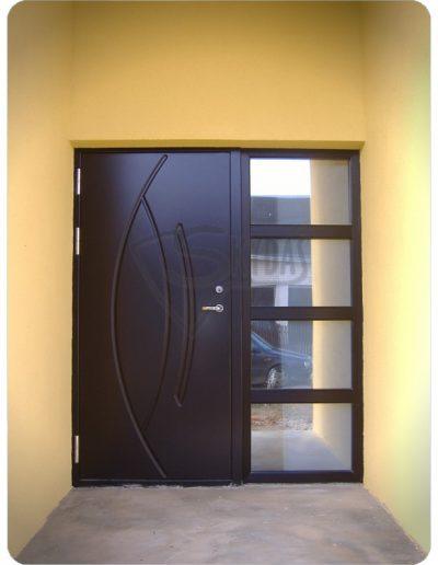 Skydas durys namui