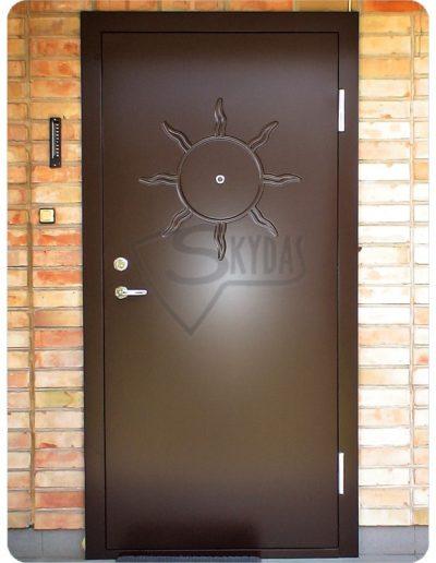 Skydas durys namui rudos