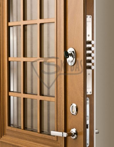 Skydas lauko durys 3