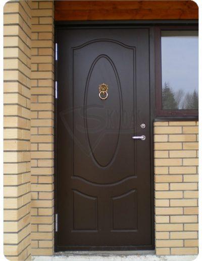 Skydas namui durys