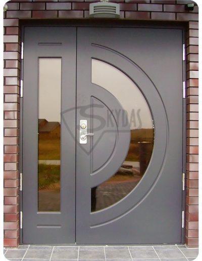 Skydas sarvuotos durys lenktas stiklas