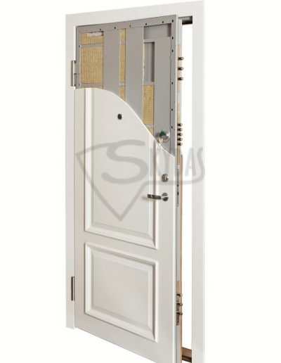 Skydas Fortress sarvuotos durys pjuvis