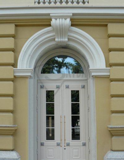 Skydas Kempinski durys 1