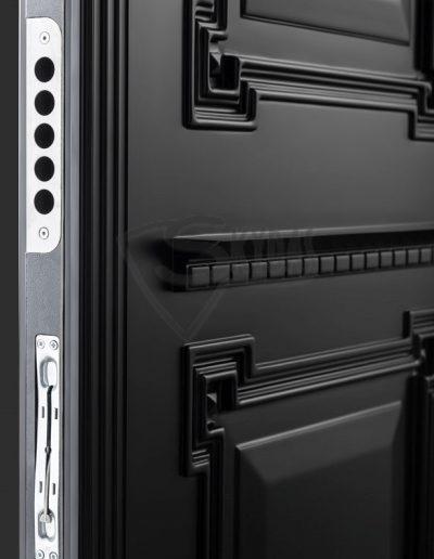 Skydas juodos durys 4