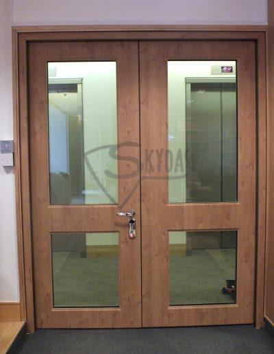 Skydas pramonines apsaugines durys