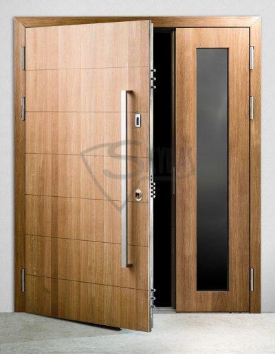 Skydas sarvuotos durys